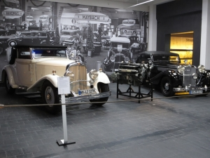 executive foreign language training - visiting an AutoMuseum - Germany